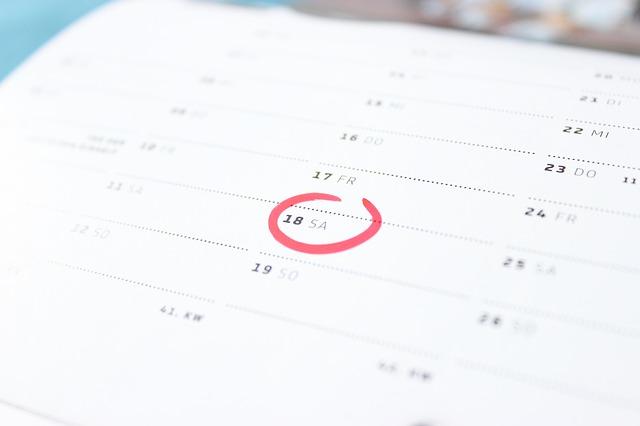 Kalendarze trójdzielne i planszowe
